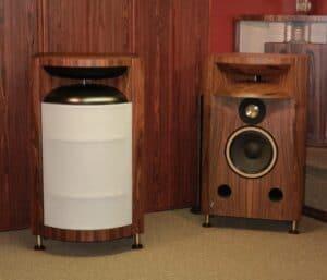 Field Coil Horn Speakers Using OTL Amplifiers